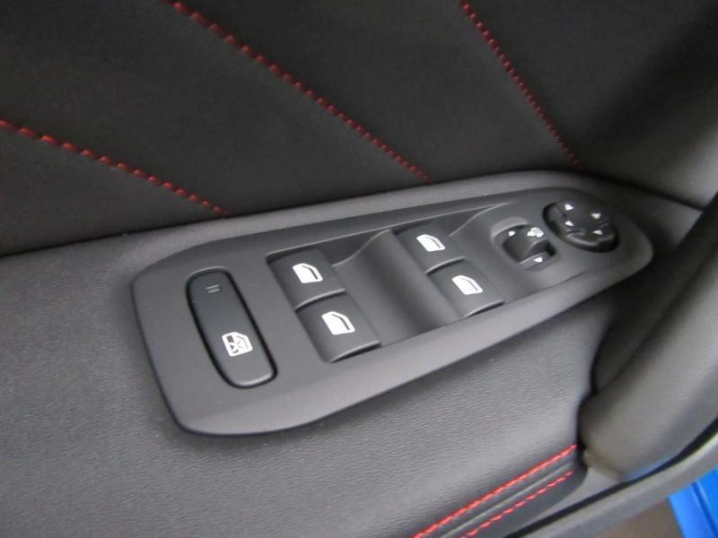 Photo 13 de l'offre de PEUGEOT 308 1.6 PURETECH 263CH S&S GTI à 33000€ chez YM Automobiles