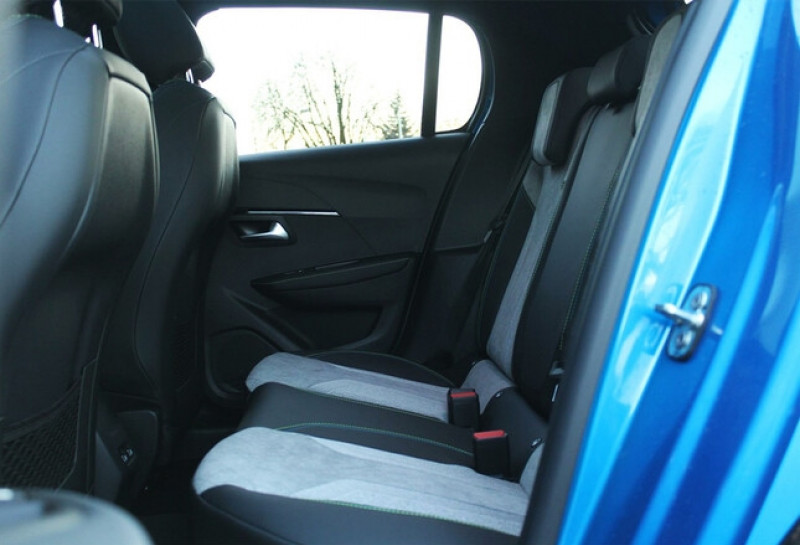 Photo 17 de l'offre de PEUGEOT 208 E-208 136CH GT à 33000€ chez YM Automobiles