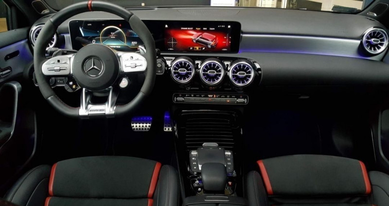 Photo 10 de l'offre de MERCEDES-BENZ CLASSE A (W177) 45 AMG 421CH S 4MATIC+ 8G-DCT SPEEDSHIFT AMG à 75500€ chez YM Automobiles