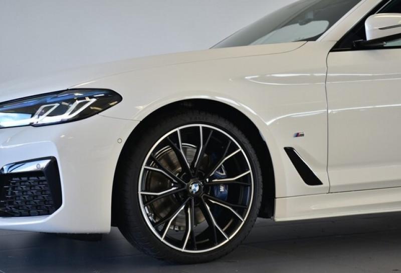 Photo 2 de l'offre de BMW SERIE 5 (G30) 520DA XDRIVE 190CH M SPORT STEPTRONIC EURO6D-T 117G à 58600€ chez YM Automobiles