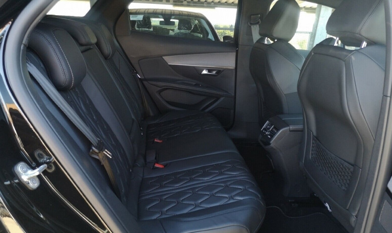 Photo 10 de l'offre de PEUGEOT 3008 2.0 BLUEHDI 180CH S&S GT EAT8 à 40200€ chez YM Automobiles