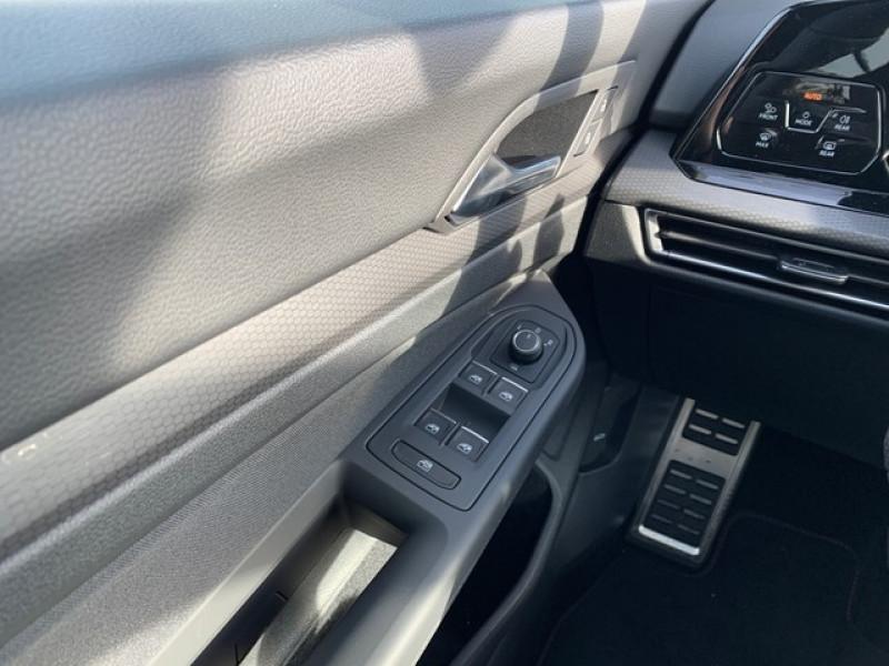 Photo 9 de l'offre de VOLKSWAGEN GOLF VIII 2.0 TSI 245CH GTI DSG7 à 43500€ chez YM Automobiles