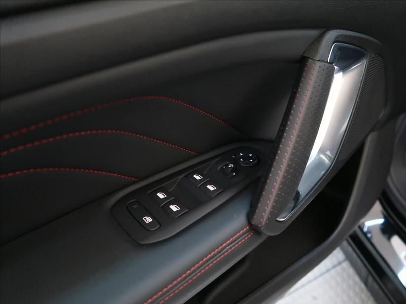 Photo 11 de l'offre de PEUGEOT 308 1.6 PURETECH 263CH E6.2 EVAP S&S GTI à 32000€ chez YM Automobiles