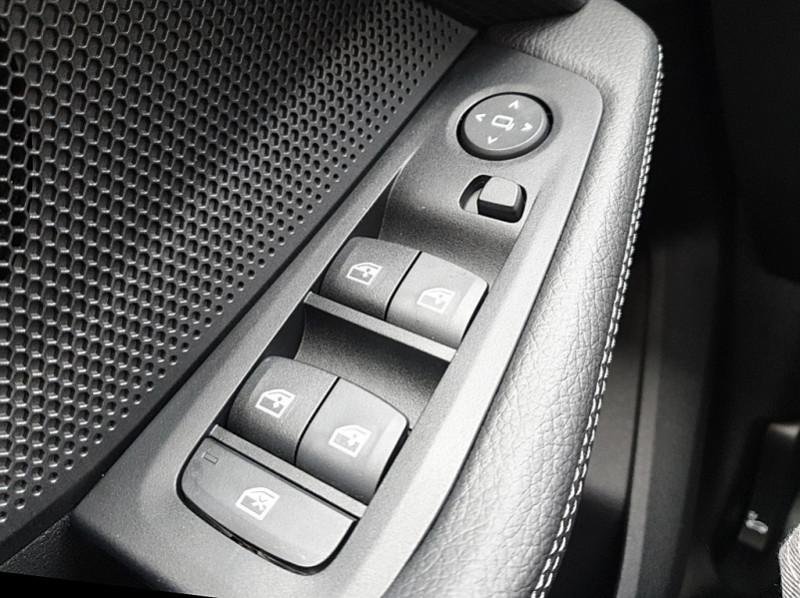 Photo 13 de l'offre de BMW SERIE 1 (F40) 118I 140CH EDITION SPORT à 29800€ chez YM Automobiles