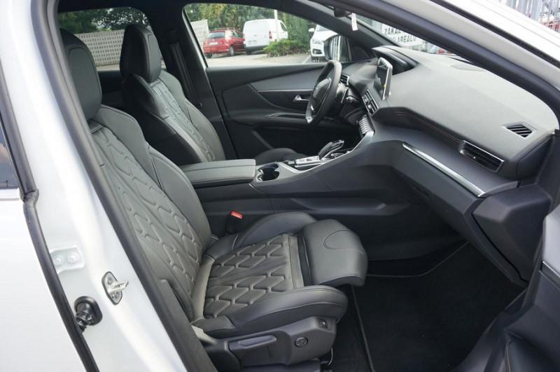 Photo 12 de l'offre de PEUGEOT 3008 2.0 BLUEHDI 180CH S&S GT EAT8 à 34500€ chez YM Automobiles
