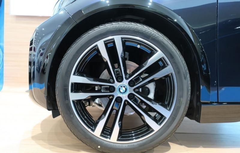 Photo 24 de l'offre de BMW I3 (I01) S 184CH 120AH ILIFE LODGE à 43500€ chez YM Automobiles