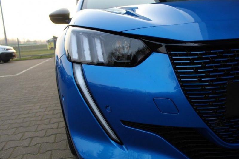 Photo 6 de l'offre de PEUGEOT 208 E-208 136CH GT LINE à 35000€ chez YM Automobiles