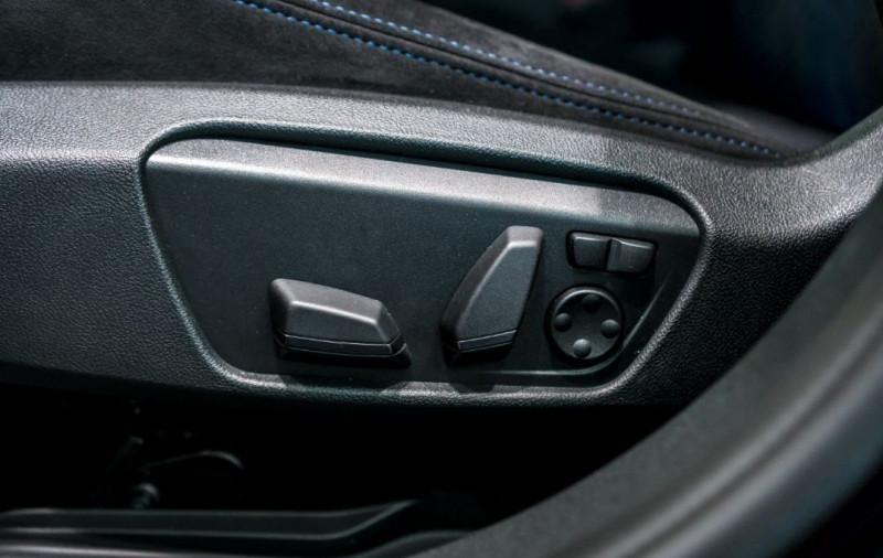 Photo 23 de l'offre de BMW SERIE 1 (F40) M135IA XDRIVE 306CH à 51500€ chez YM Automobiles