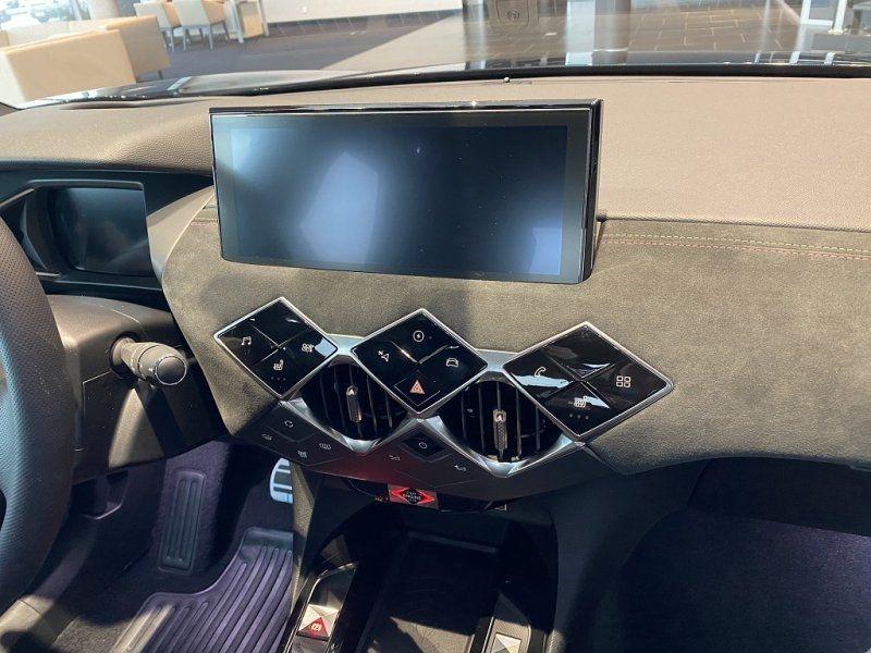Photo 18 de l'offre de DS DS 3 CROSSBACK E-TENSE PERFORMANCE LINE + 4CV à 42000€ chez YM Automobiles