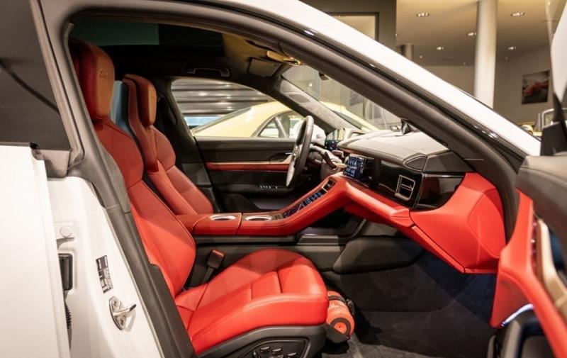 Photo 11 de l'offre de PORSCHE TAYCAN 571CH 4S AVEC BATTERIE PERFORMANCE PLUS à 150000€ chez YM Automobiles