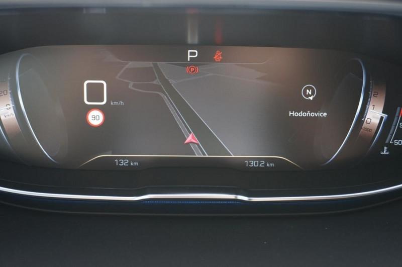 Photo 18 de l'offre de PEUGEOT 3008 2.0 BLUEHDI 180CH S&S GT EAT8 à 34500€ chez YM Automobiles