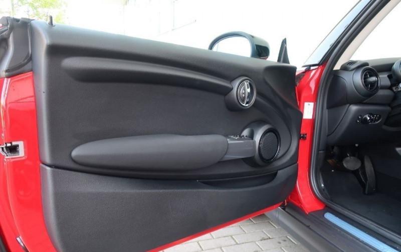 Photo 11 de l'offre de MINI MINI COOPER 136CH CHILI BVA7 109G à 24500€ chez YM Automobiles