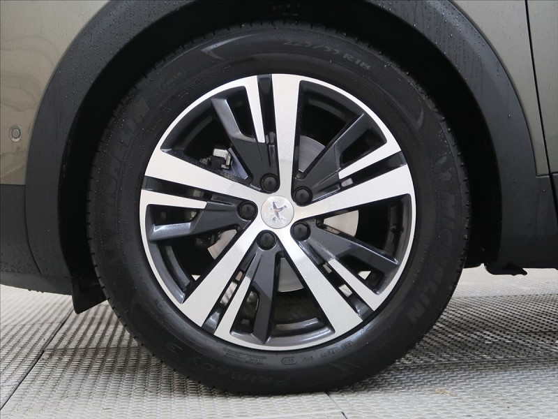 Photo 10 de l'offre de PEUGEOT 3008 2.0 BLUEHDI 180CH S&S GT LINE EAT8 à 31800€ chez YM Automobiles