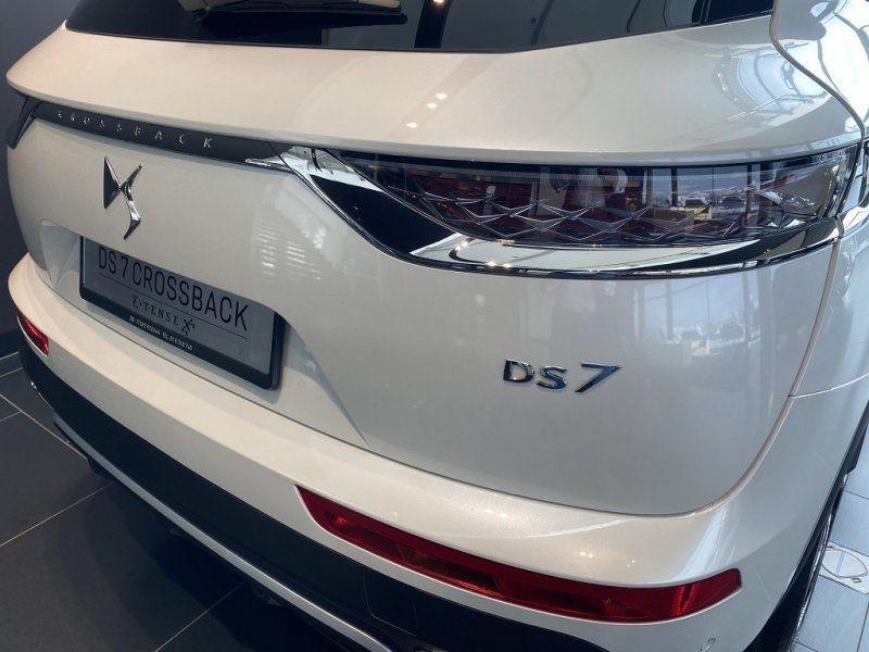 Photo 11 de l'offre de DS DS 7 CROSSBACK BLUEHDI 180CH GRAND CHIC AUTOMATIQUE à 52000€ chez YM Automobiles