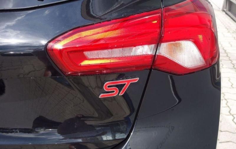 Photo 14 de l'offre de FORD FOCUS 2.3 ECOBOOST 280CH ST 17CV à 37800€ chez YM Automobiles