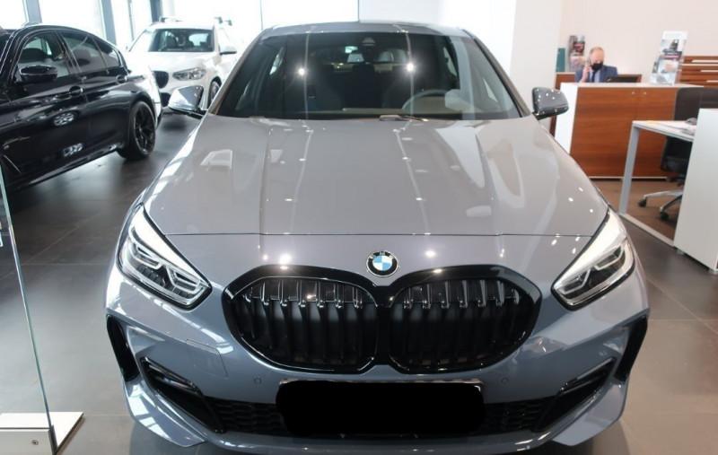 Photo 19 de l'offre de BMW SERIE 1 (F40) 120DA XDRIVE 190CH M SPORT à 43500€ chez YM Automobiles