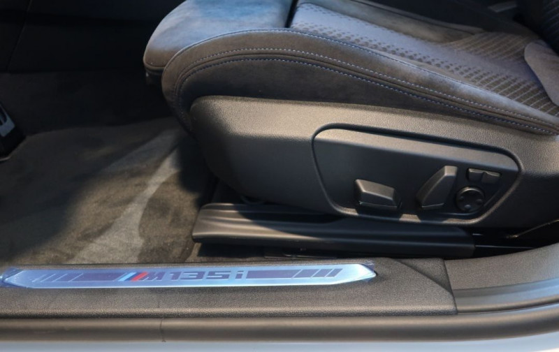Photo 19 de l'offre de BMW SERIE 1 (F40) M135IA XDRIVE 306CH à 50500€ chez YM Automobiles
