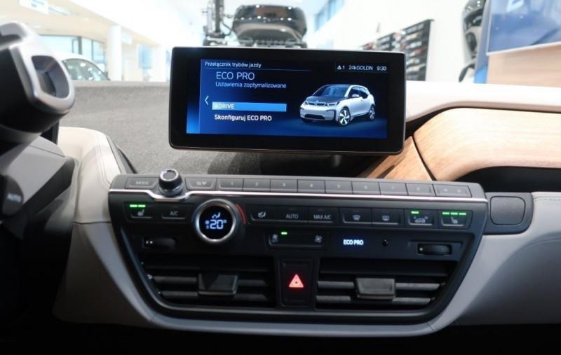 Photo 13 de l'offre de BMW I3 (I01) S 184CH 120AH ILIFE LODGE à 43500€ chez YM Automobiles