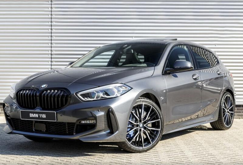Photo 1 de l'offre de BMW SERIE 1 (F40) 118IA 140CH M SPORT DKG7 à 42000€ chez YM Automobiles