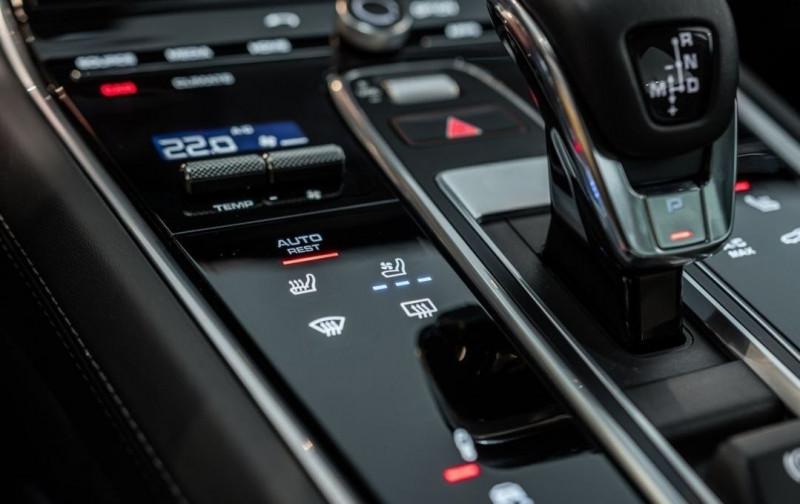 Photo 17 de l'offre de PORSCHE PANAMERA 4.0 V8 550CH TURBO EURO6D-T à 208000€ chez YM Automobiles