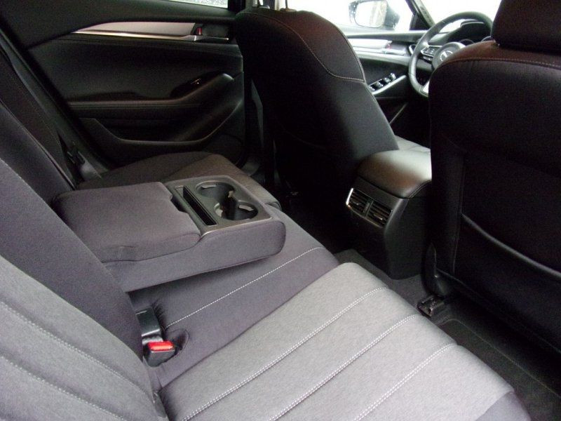 Photo 24 de l'offre de MAZDA MAZDA 6 2.0 SKYACTIV-G 165CH DYNAMIQUE EVAP à 24500€ chez YM Automobiles