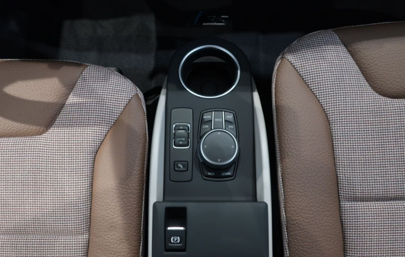 Photo 14 de l'offre de BMW I3 (I01) S 184CH 120AH ILIFE LODGE à 43500€ chez YM Automobiles
