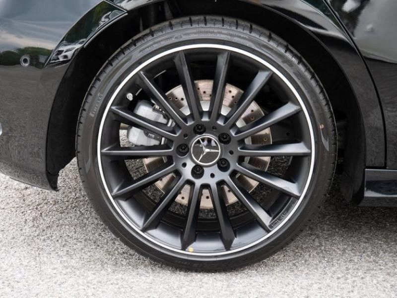 Photo 18 de l'offre de MERCEDES-BENZ CLASSE A BERLINE 35 AMG 306CH 4MATIC 7G-DCT SPEEDSHIFT AMG à 56000€ chez YM Automobiles