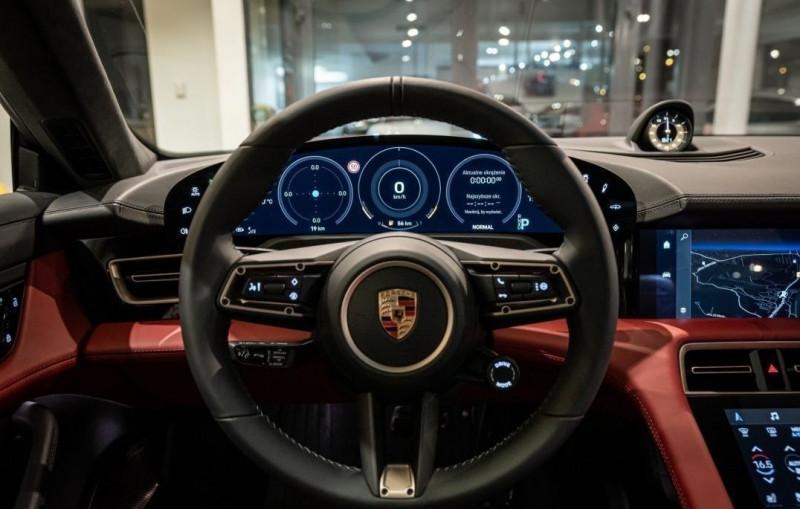 Photo 13 de l'offre de PORSCHE TAYCAN 571CH 4S AVEC BATTERIE PERFORMANCE PLUS à 150000€ chez YM Automobiles