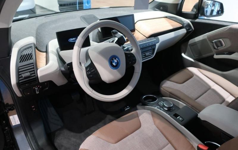 Photo 5 de l'offre de BMW I3 (I01) S 184CH 120AH ILIFE LODGE à 43500€ chez YM Automobiles
