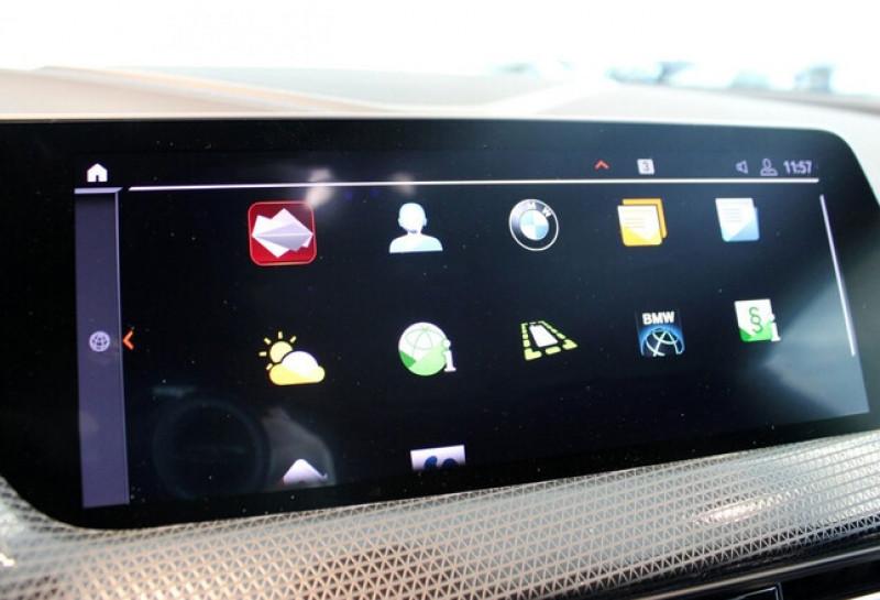 Photo 17 de l'offre de BMW SERIE 1 (F40) 118IA 140CH M SPORT DKG7 à 42000€ chez YM Automobiles