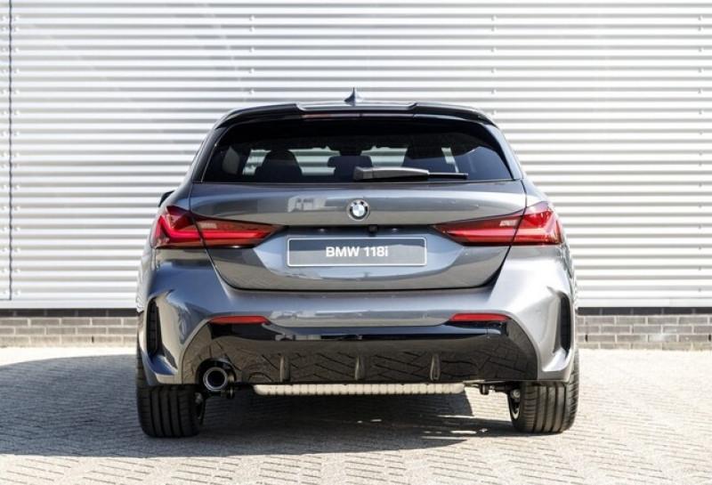 Photo 12 de l'offre de BMW SERIE 1 (F40) 118IA 140CH M SPORT DKG7 à 42000€ chez YM Automobiles