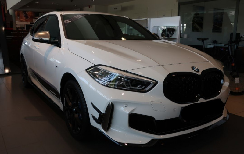 Photo 4 de l'offre de BMW SERIE 1 (F40) M135IA XDRIVE 306CH à 50500€ chez YM Automobiles