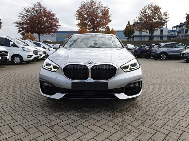Photo 8 de l'offre de BMW SERIE 1 (F40) 118I 140CH EDITION SPORT à 29800€ chez YM Automobiles