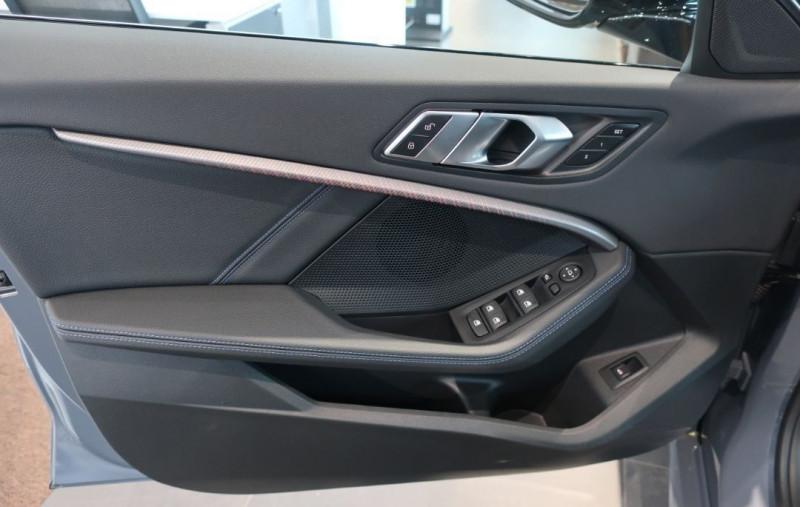 Photo 8 de l'offre de BMW SERIE 1 (F40) 120DA XDRIVE 190CH M SPORT à 43500€ chez YM Automobiles