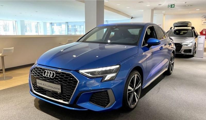 Audi A3 BERLINE 35 TFSI 150CH S LINE S TRONIC 7 Essence BLEU Neuf à vendre
