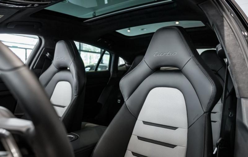 Photo 19 de l'offre de PORSCHE PANAMERA 4.0 V8 550CH TURBO EURO6D-T à 208000€ chez YM Automobiles