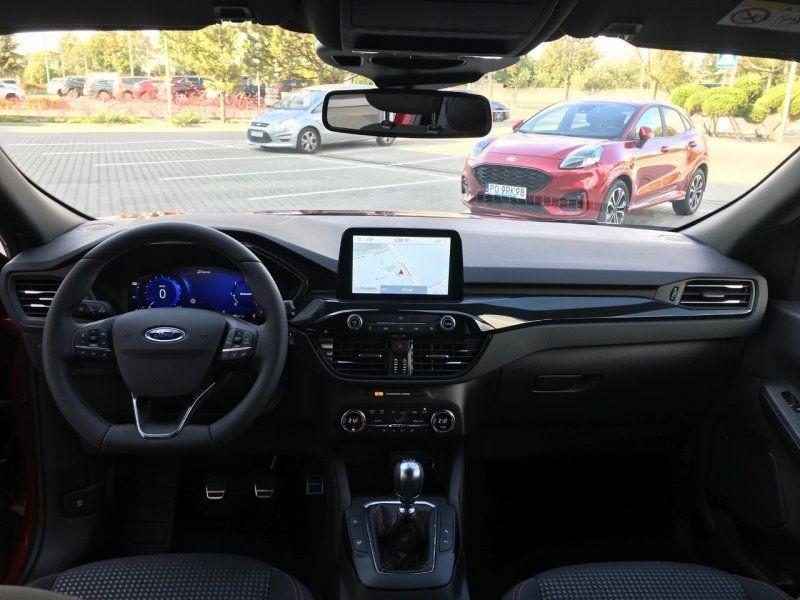 Photo 6 de l'offre de FORD KUGA 2.0 ECOBLUE 150CH MHEV ST-LINE à 33000€ chez YM Automobiles