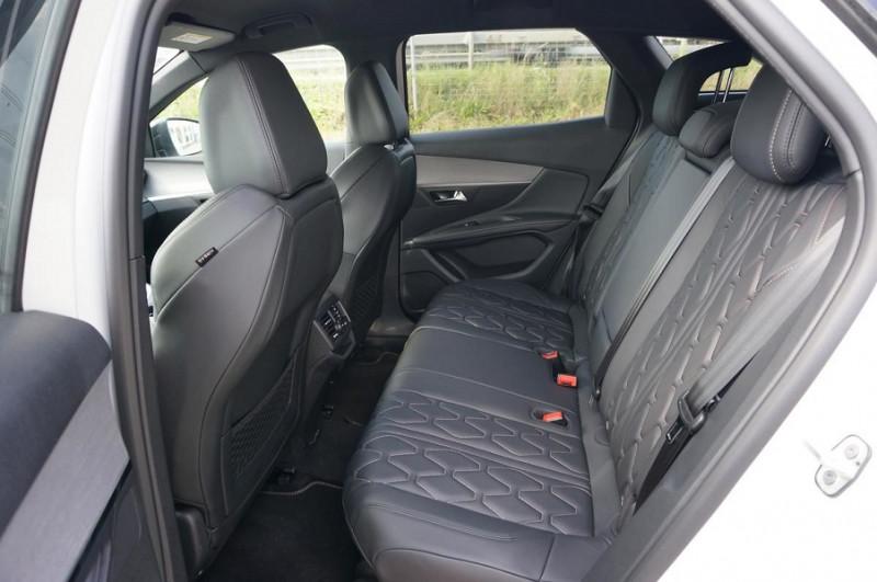 Photo 10 de l'offre de PEUGEOT 3008 2.0 BLUEHDI 180CH S&S GT EAT8 à 34500€ chez YM Automobiles