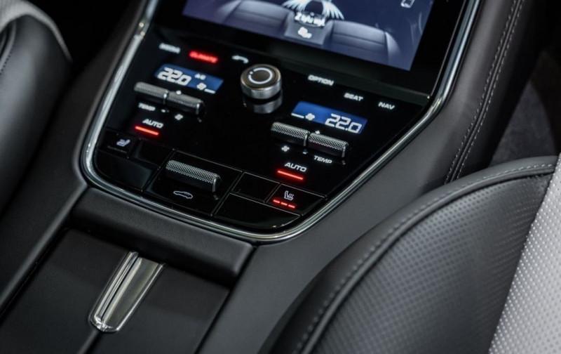Photo 18 de l'offre de PORSCHE PANAMERA 4.0 V8 550CH TURBO EURO6D-T à 208000€ chez YM Automobiles