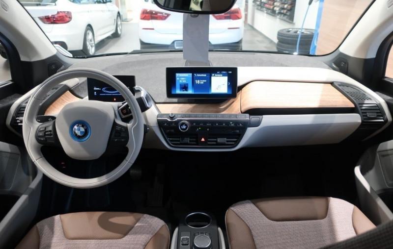 Photo 12 de l'offre de BMW I3 (I01) S 184CH 120AH ILIFE LODGE à 43500€ chez YM Automobiles