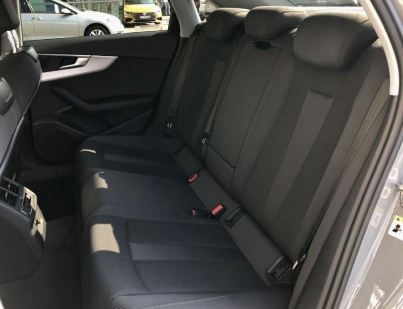 Photo 10 de l'offre de AUDI A4 30 TDI 136CH S LINE S TRONIC 7 à 35000€ chez YM Automobiles