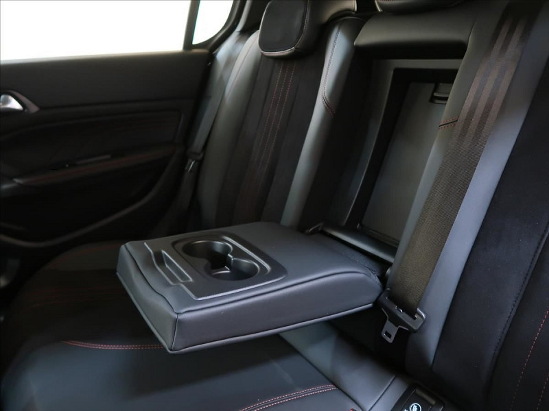 Photo 29 de l'offre de PEUGEOT 308 1.6 PURETECH 263CH E6.2 EVAP S&S GTI à 32000€ chez YM Automobiles