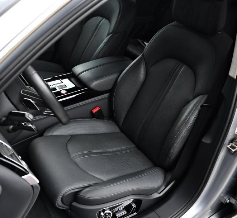 Photo 9 de l'offre de AUDI S8 4.0 V8 TFSI 605CH PLUS QUATTRO TIPTRONIC à 70500€ chez YM Automobiles