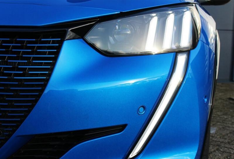 Photo 9 de l'offre de PEUGEOT 208 E-208 136CH GT à 33000€ chez YM Automobiles