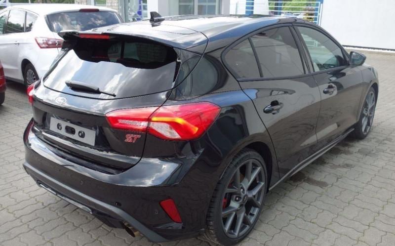 Photo 11 de l'offre de FORD FOCUS 2.3 ECOBOOST 280CH ST 17CV à 37800€ chez YM Automobiles