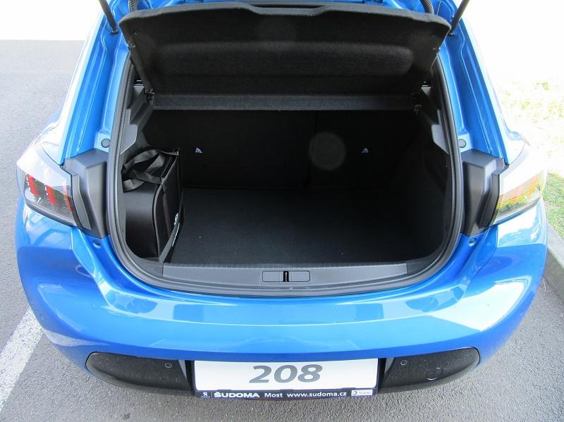 Photo 6 de l'offre de PEUGEOT 208 E-208 136CH GT à 33000€ chez YM Automobiles