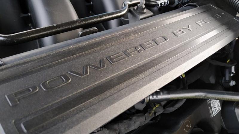 Photo 10 de l'offre de FORD MUSTANG FASTBACK 5.0 V8 460CH BULLITT à 81500€ chez YM Automobiles