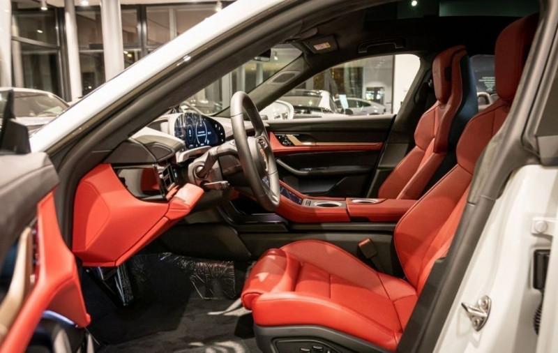 Photo 8 de l'offre de PORSCHE TAYCAN 571CH 4S AVEC BATTERIE PERFORMANCE PLUS à 150000€ chez YM Automobiles