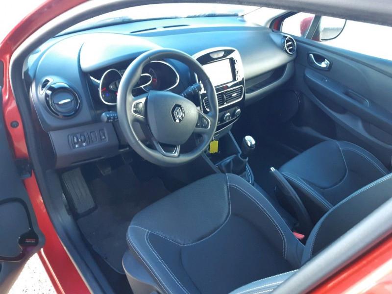 Photo 5 de l'offre de RENAULT CLIO IV ESTATE 1.5 DCI 90CH ENERGY BUSINESS 82G à 9490€ chez Carlyss automobiles Vitré