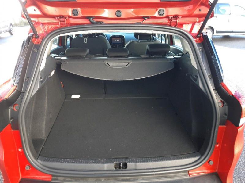 Photo 4 de l'offre de RENAULT CLIO IV ESTATE 1.5 DCI 90CH ENERGY BUSINESS 82G à 9490€ chez Carlyss automobiles Vitré
